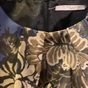 T. Tahari Petite dress 👗 size 0P gorgeous dress